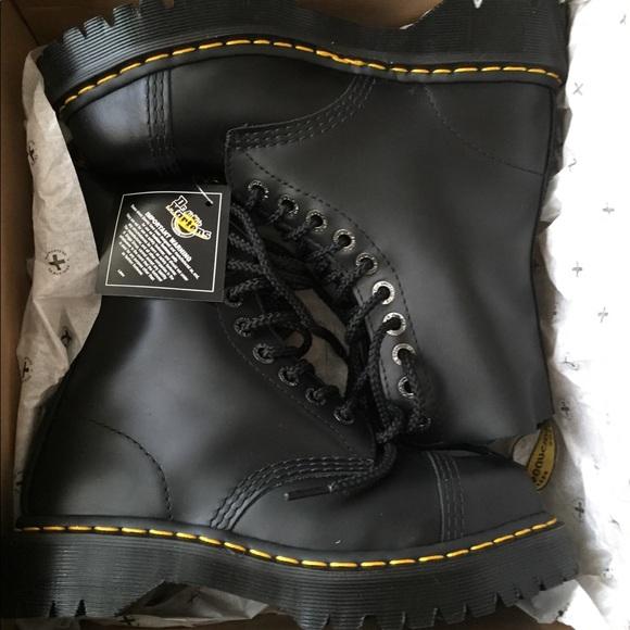 b64ac5d38f6 NEW Dr Marten 8761 bxb boots NWT
